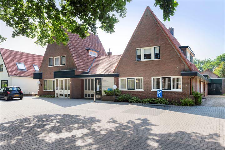 Prins Hendrikweg 11 -13,13A, Vaassen