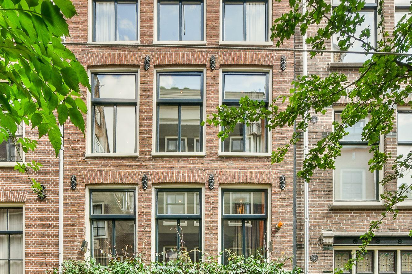 View photo 1 of Roomolenstraat 12