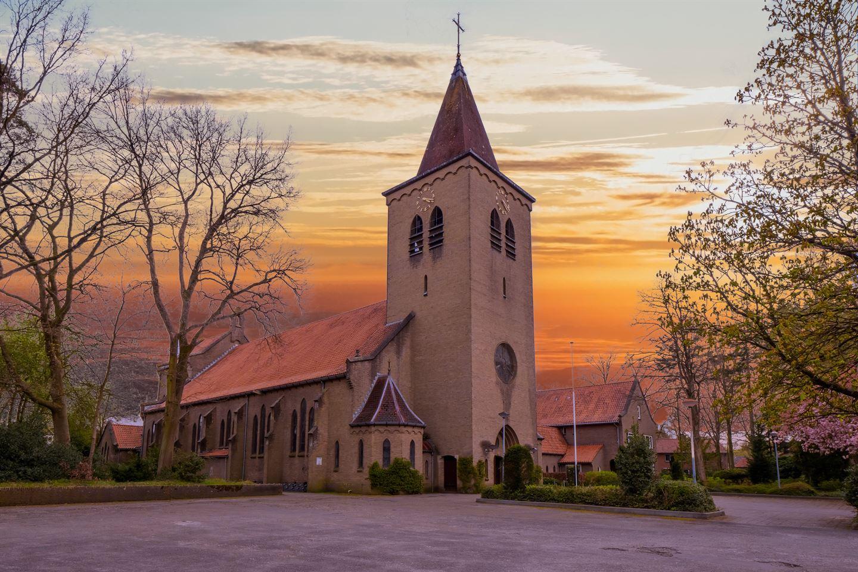Bekijk foto 4 van St. Willibrordusstraat 17 - 19