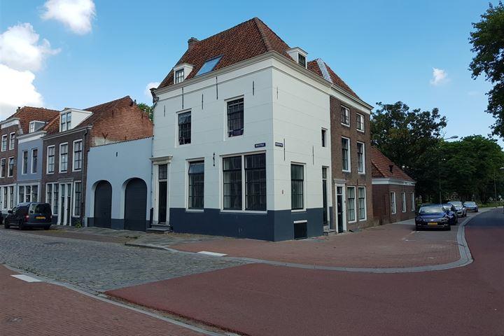 Breestraat 83