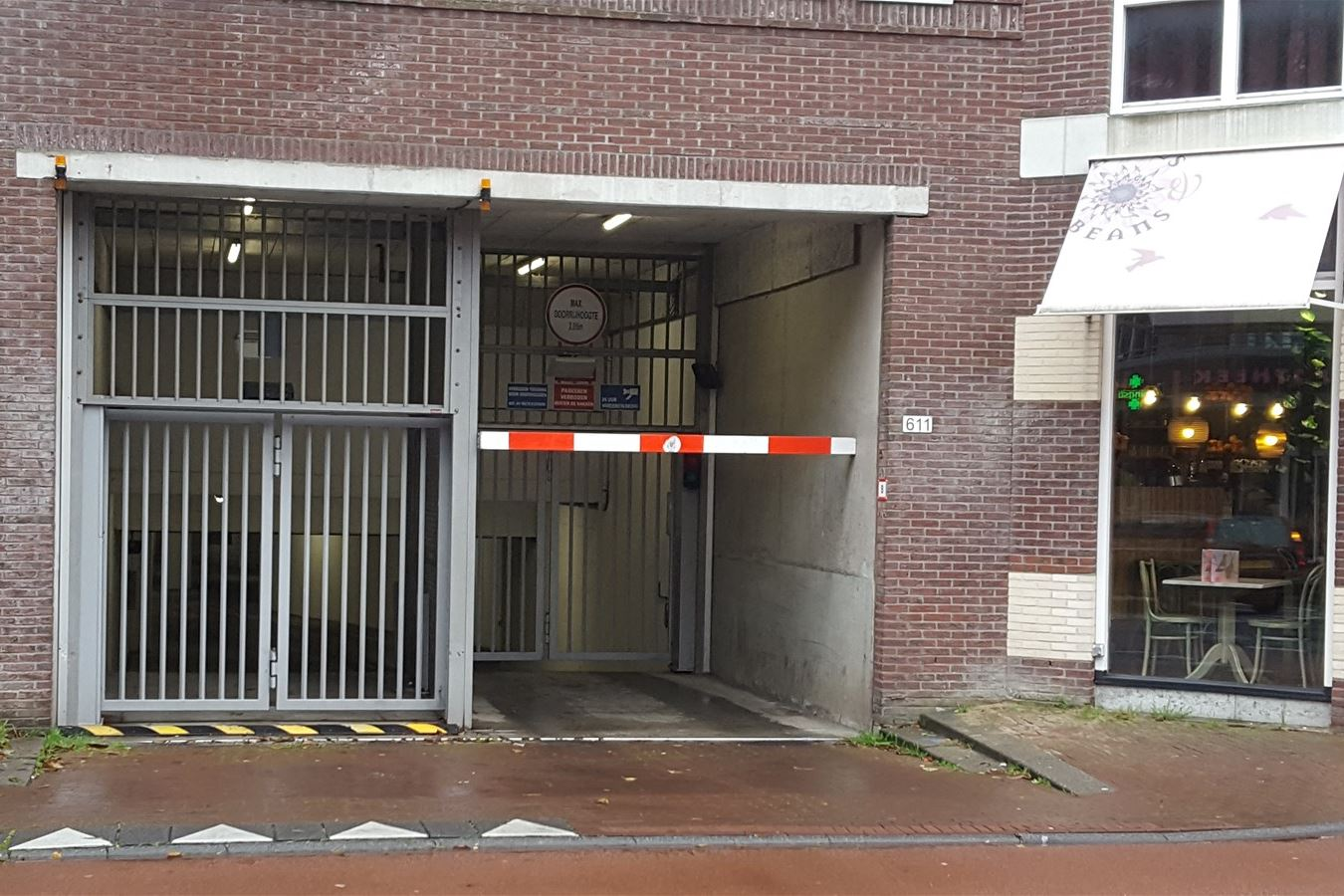 Bekijk foto 3 van Van Hallstraat