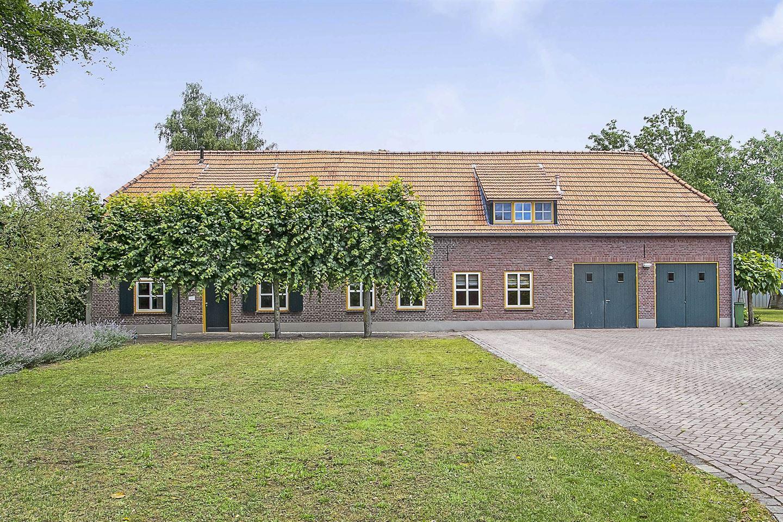 Bekijk foto 1 van Neerbroek 10
