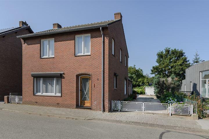 Pastoor Ceijssensstraat 3
