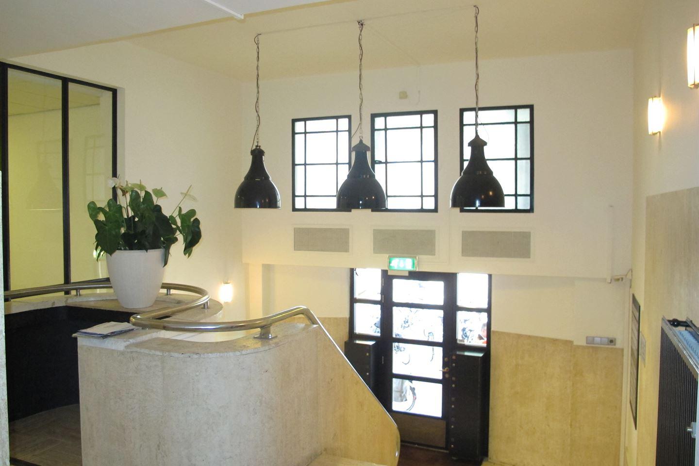 Bekijk foto 3 van Nieuwezijds Voorburgwal 120 V