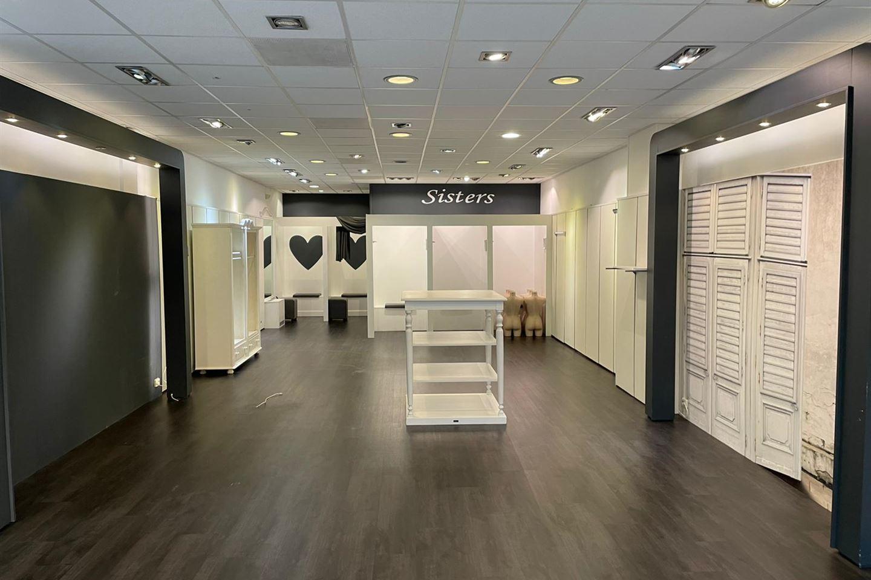 Bekijk foto 3 van Winkelcentrum De Schoof 150