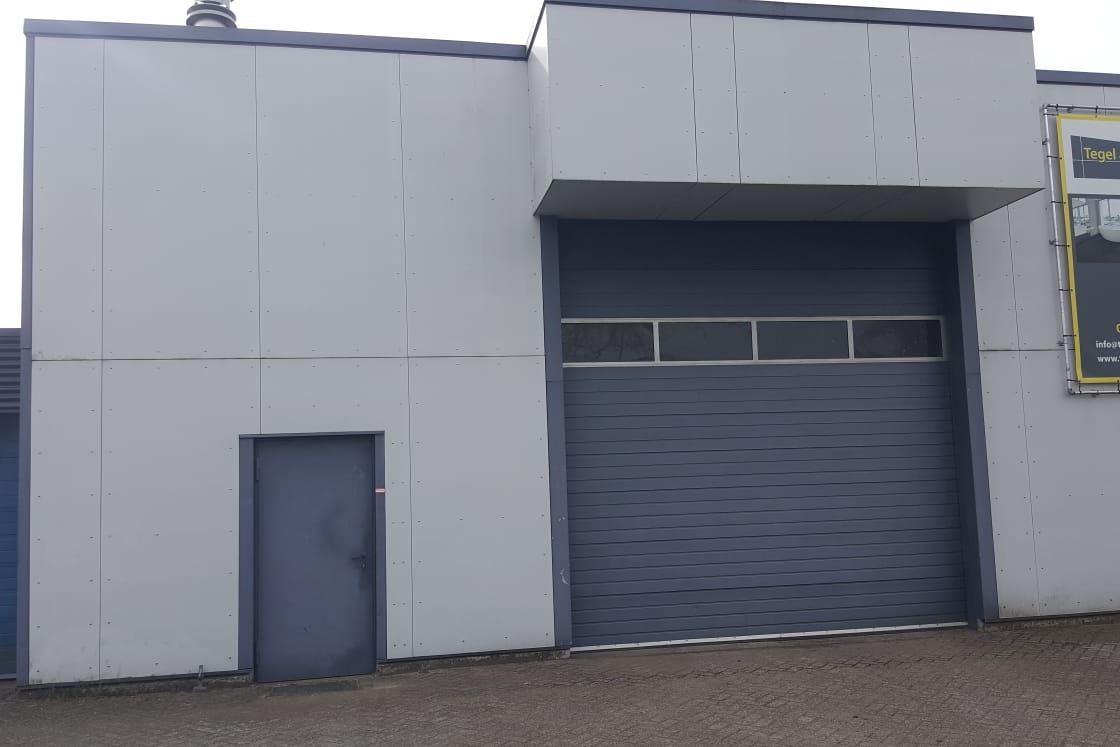 Bekijk foto 1 van Industrieweg 9