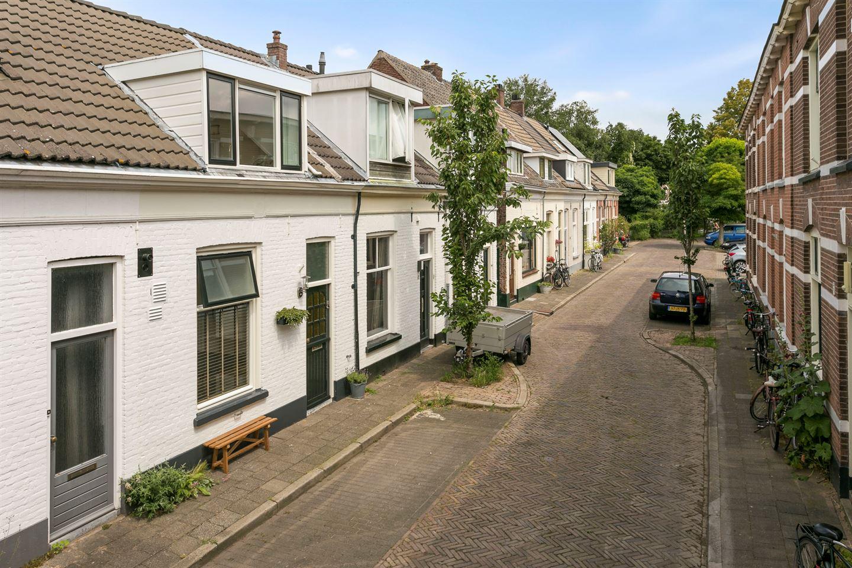 Bekijk foto 2 van Resedastraat 7
