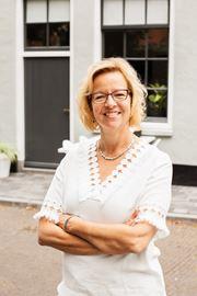 Sandra M. Geerlings - NVM-makelaar