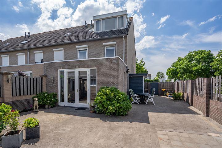 A.B. van Lieshoutlaan 49