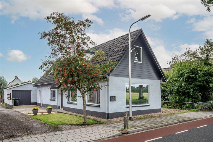 Dorpsstraat 22