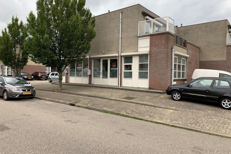 Bekijk foto 3 van Hoorn 24