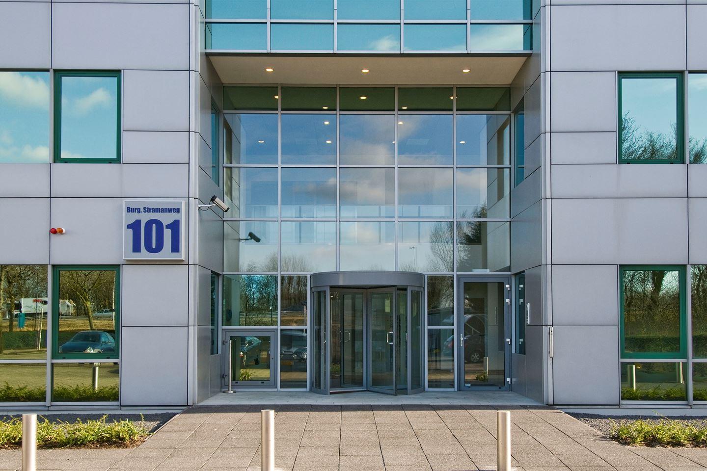 Bekijk foto 2 van Burgemeester Stramanweg 101