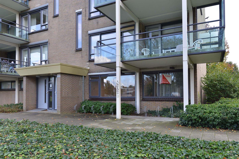Bekijk foto 4 van Staringstraat 284