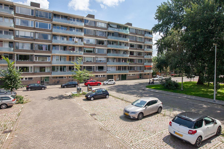 Bekijk foto 1 van Van der Helmstraat 464