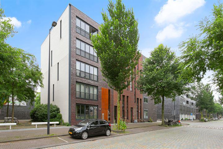 Erich Salomonstraat 422