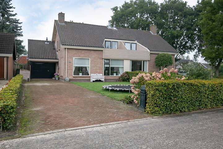 Vredenburg 75