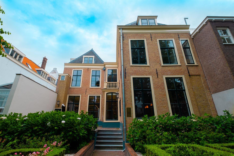 Bekijk foto 2 van Lange Voorhout 16