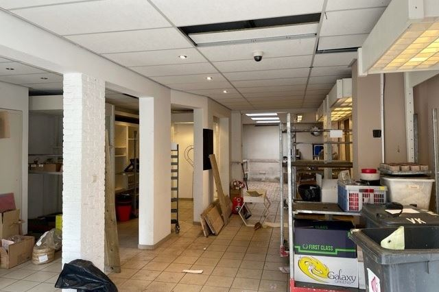 Bekijk foto 5 van Van 't Hoffstraat 5