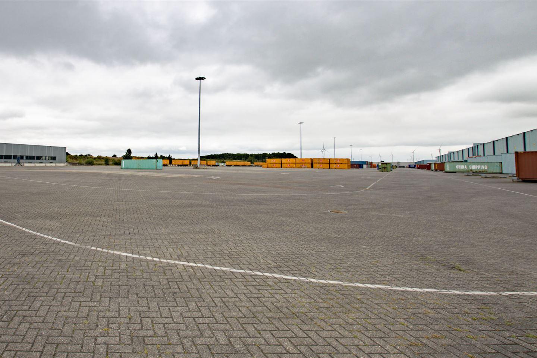 Bekijk foto 4 van Spoorhavenweg 17 0