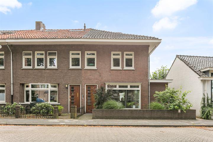 Pastoor Schutjesstraat 1