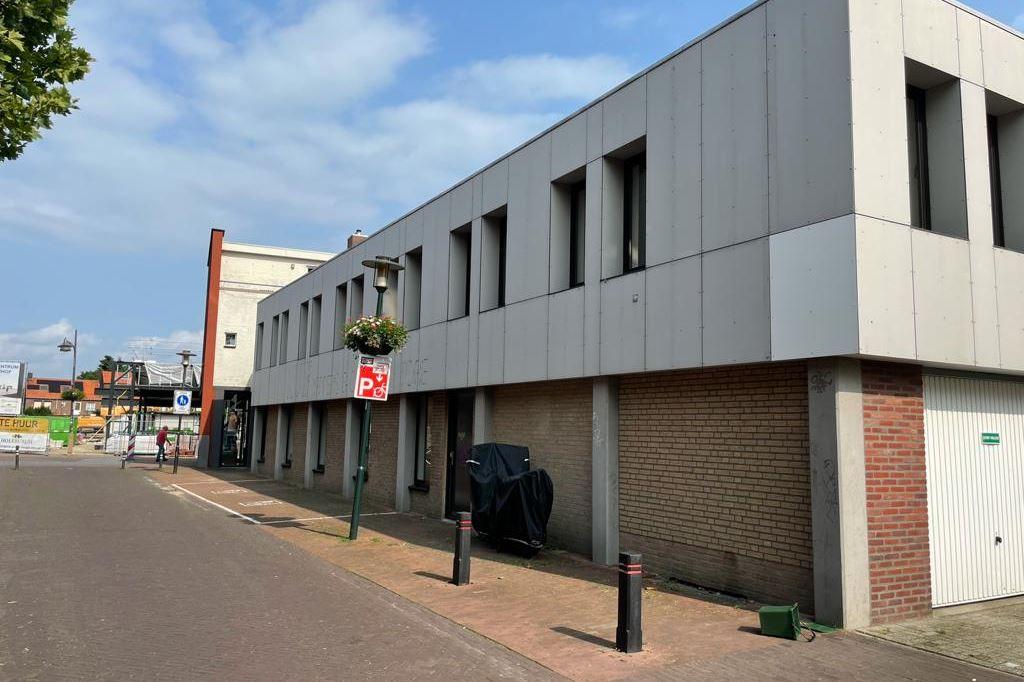 Bekijk foto 1 van Kloosterstraat 3