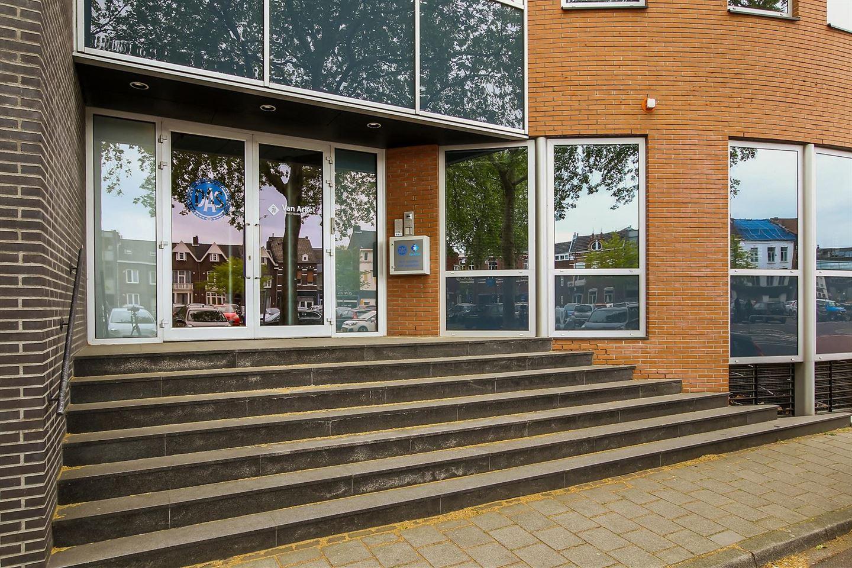 Bekijk foto 2 van Wilhelminaplein 26