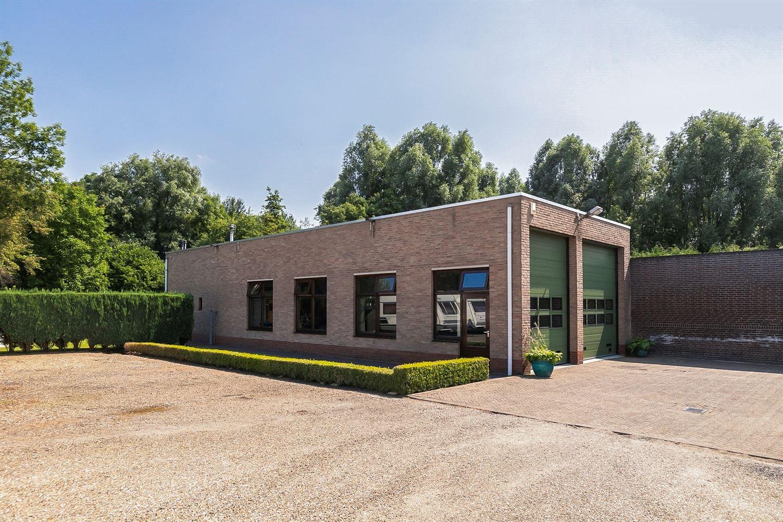 Bekijk foto 1 van Burg. Slanghenstraat 11