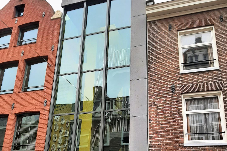 Bekijk foto 1 van Willemsstraat 208