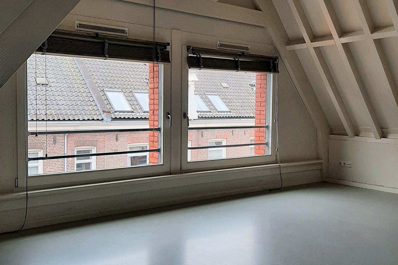 Bekijk foto 2 van Willemsstraat 208