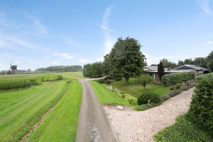 Korn Boezemweg 2, Dussen