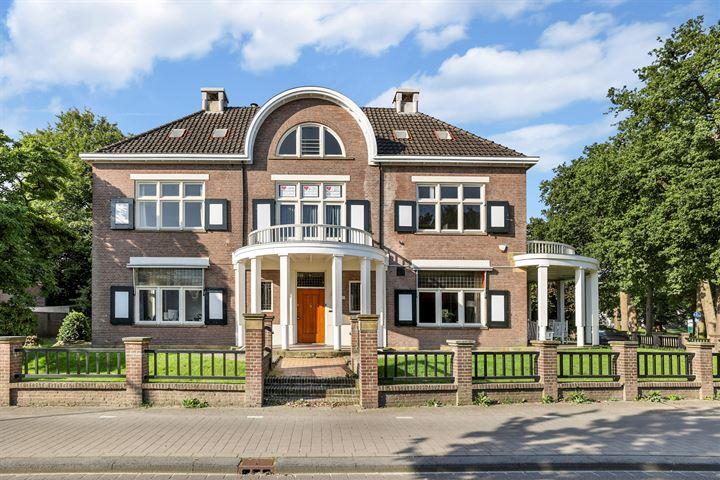 Regentesselaan 11, Apeldoorn