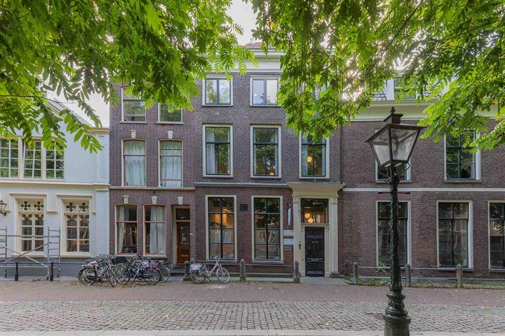 Hooglandse Kerkgracht 32