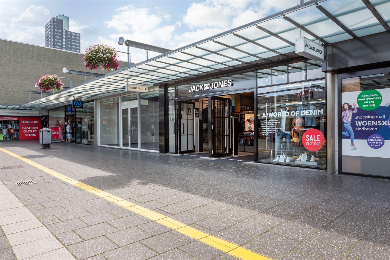 Bekijk foto 3 van Winkelcentrum Woensel 90