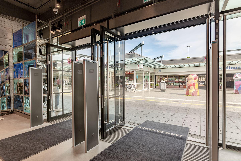 Bekijk foto 4 van Winkelcentrum Woensel 90