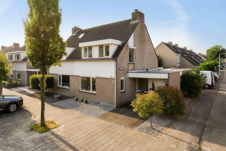 Hooglandstraat 24