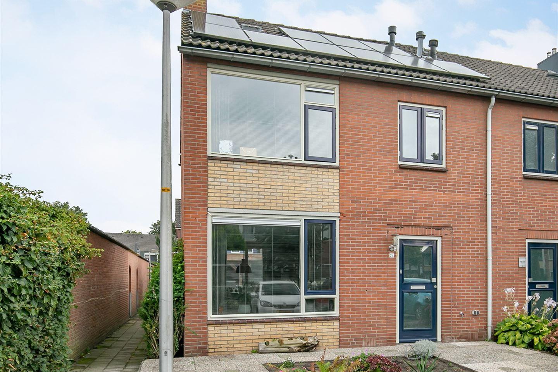 Bekijk foto 3 van Esdoornstraat 24