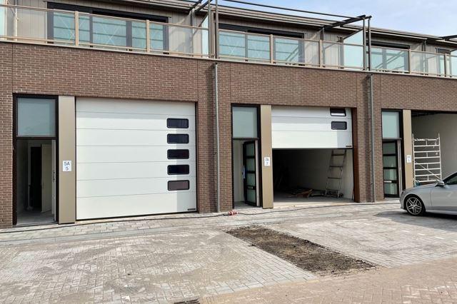 Bekijk foto 1 van J.C. van Neckstraat 9 en 9a