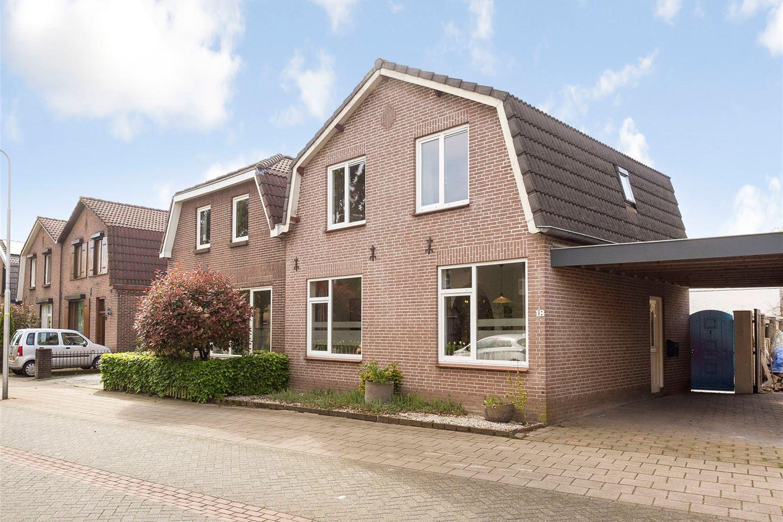 View photo 1 of Driek van Erpstraat 18