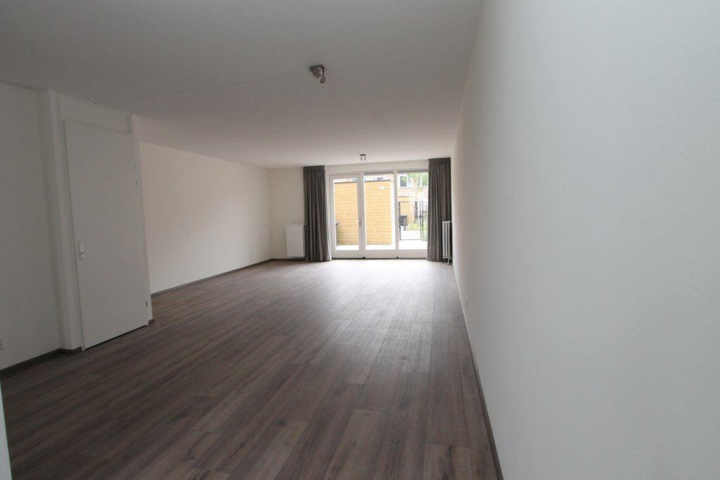 Bekijk foto 3 van Oostmeerlaan 211