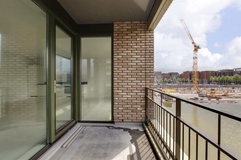 Bekijk foto 2 van Bert Haanstrakade 888
