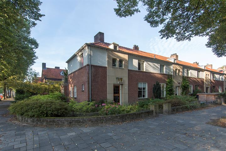 Burgemeester Mutsaersstraat 10