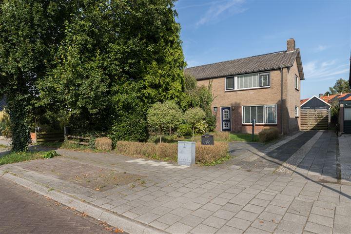 Ruysdaelstraat 13