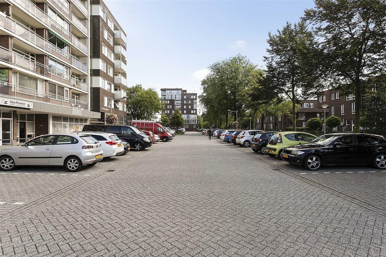 Bekijk foto 2 van P.C. Hooftplein 57