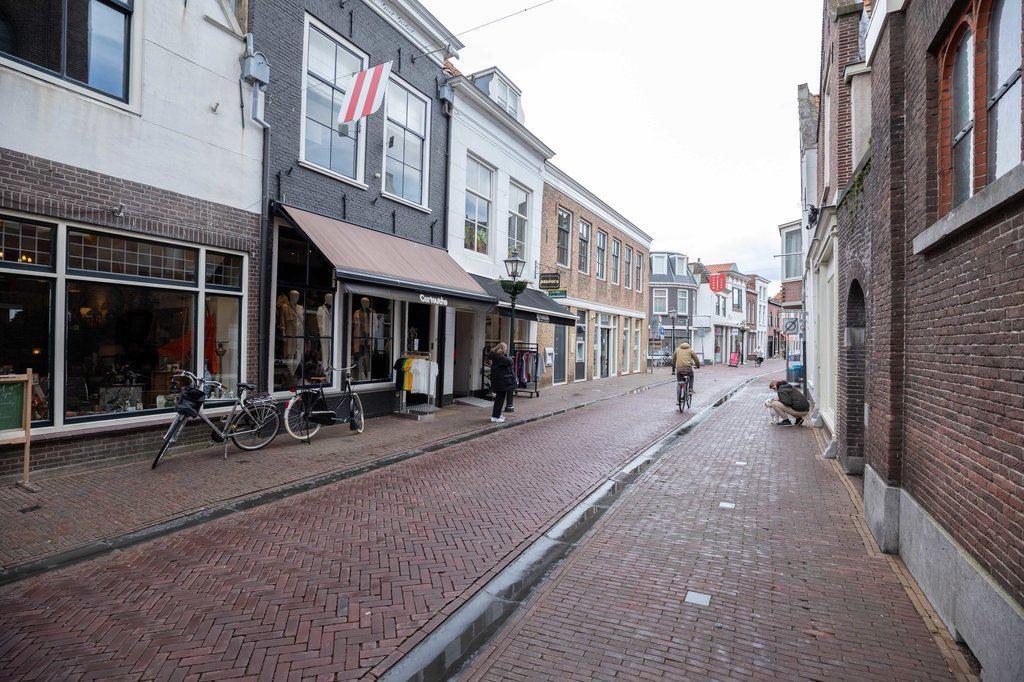 Bekijk foto 2 van Nobelstraat 37