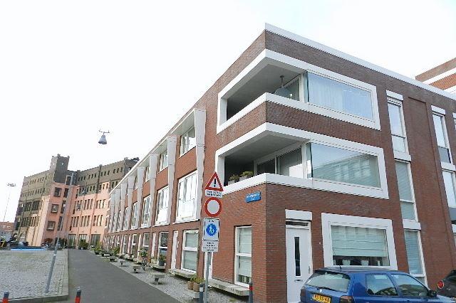Bekijk foto 1 van Rie Mastenbroekstraat 17