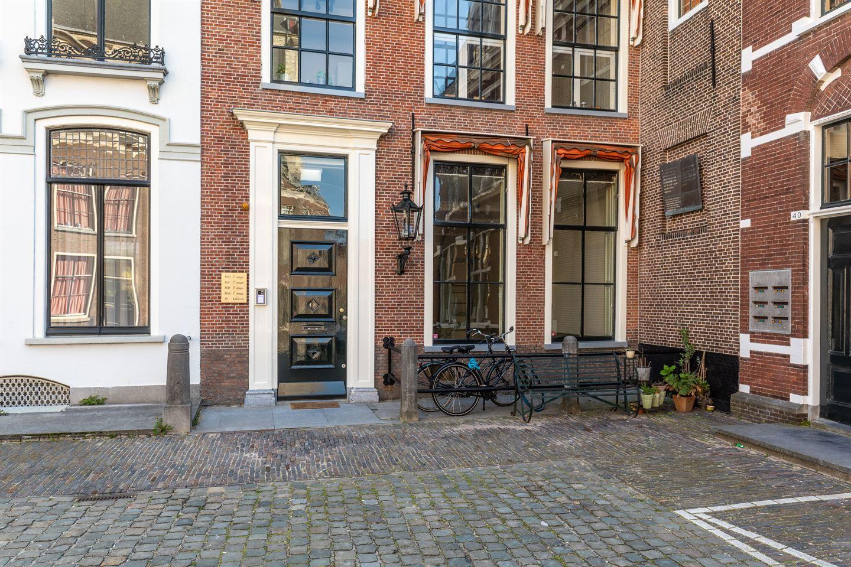 Bekijk foto 2 van Pieterskerkhof 38