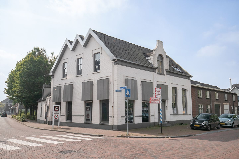Bekijk foto 1 van H. Hartplein 39