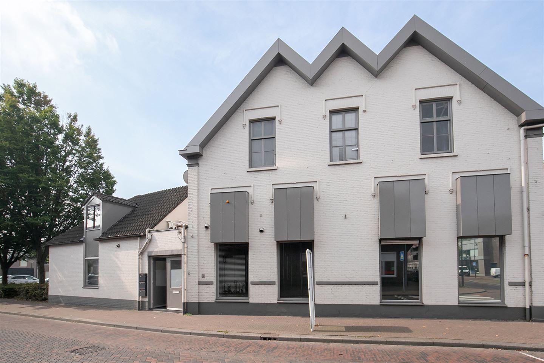 Bekijk foto 2 van H. Hartplein 39