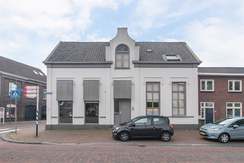 Bekijk foto 3 van H. Hartplein 39