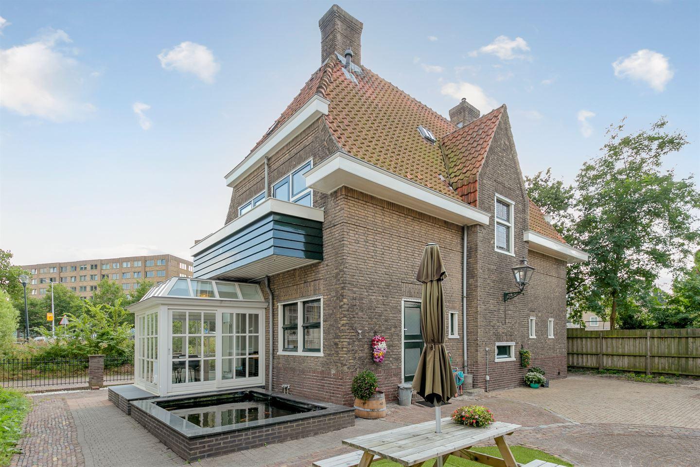 Bekijk foto 1 van Lucas van Leijdenstraat 2 a